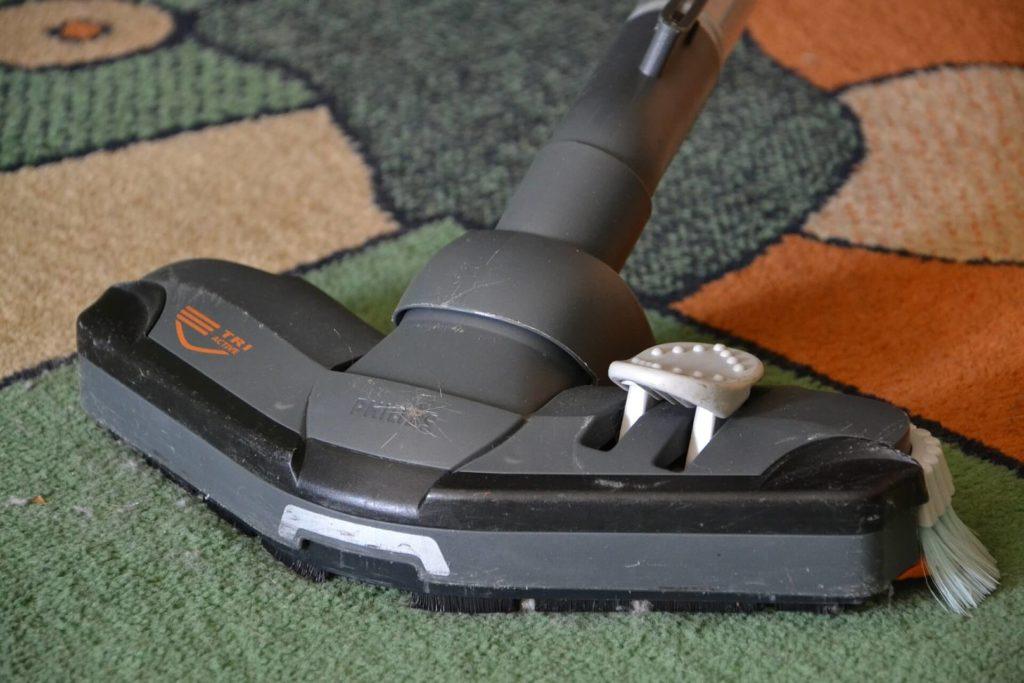 aspiradora limpia alfombras