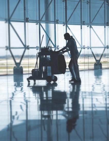 limpieza de aeropuerto en Madrid