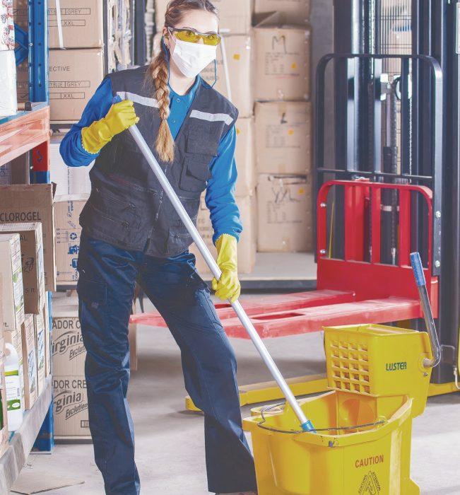servicios de limpieza uniforme