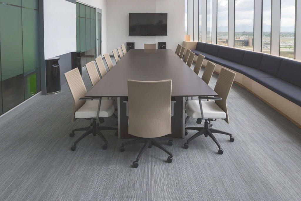 la empresa de limpiezas ofrece un servicio detallado de limpieza de oficinas en Madrid