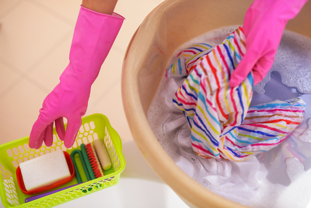 cómo quitar resina de la ropa