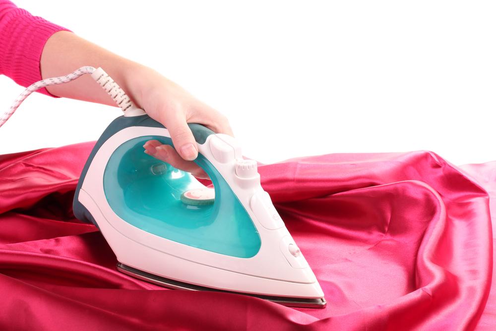 cómo limpiar una plancha de vapor
