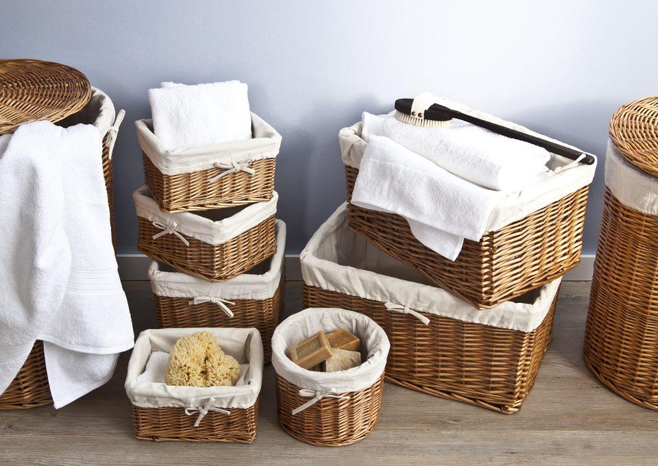cómo limpiar cestas de mimbre