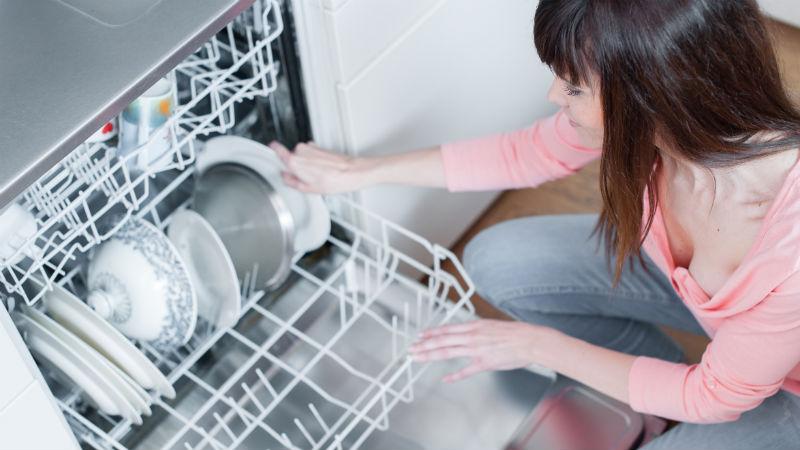Cómo limpiar un lavavajillas