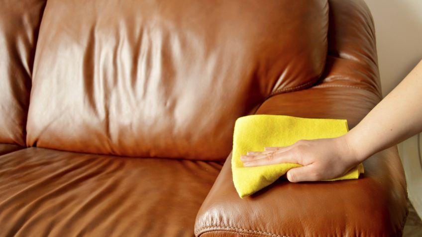cómo quitar manchas del cuero