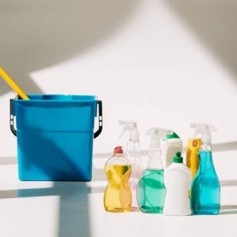 articulos de colores para limpieza