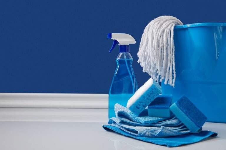 aritulos de limpieza azules