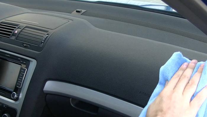 Cómo limpiar el salpicadero del coche