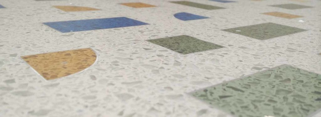Limpiar suelo de terrazo muy sucio