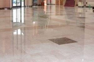 cómo abrillantar un suelo de mármol sin máquina