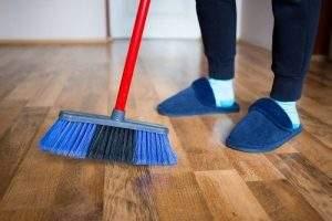 Cómo sacar brillo al piso