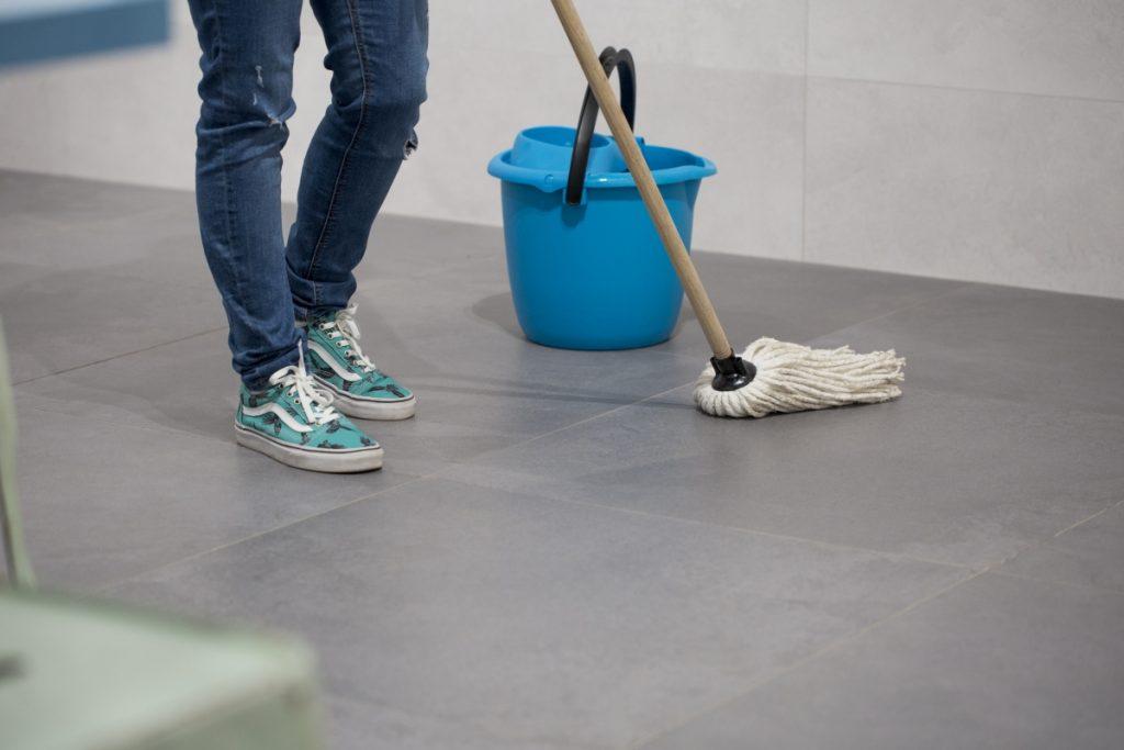 con qué fregar el suelo