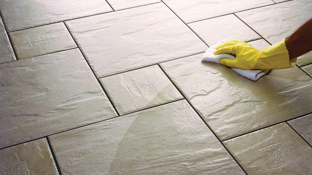 Cómo limpiar pisos de cerámica rustica