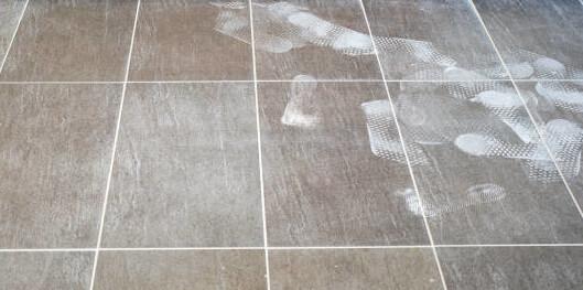limpiar suelo porcelanico con amoniaco
