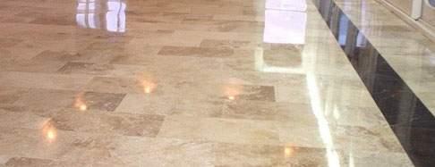 Cómo abrillantar suelo de mármol sin máquina
