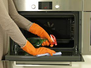 Cómo limpiar un horno