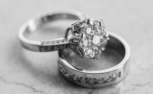Cómo limpiar anillos de plata