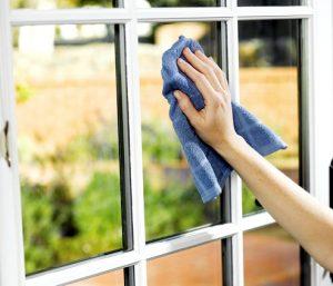 Cómo limpiar el aluminio de las ventanas