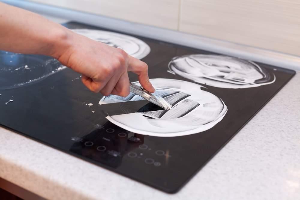 Cómo limpiar la placa de inducción