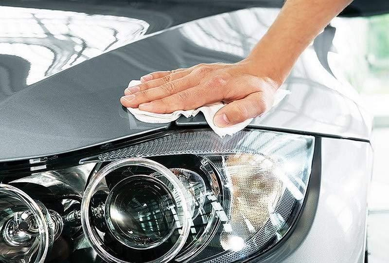 Limpieza faro coche