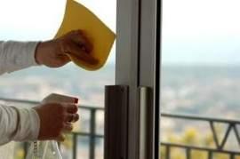 Cómo limpiar ventanas de aluminio