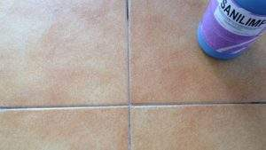 Cómo limpiar juntas azulejos cocina